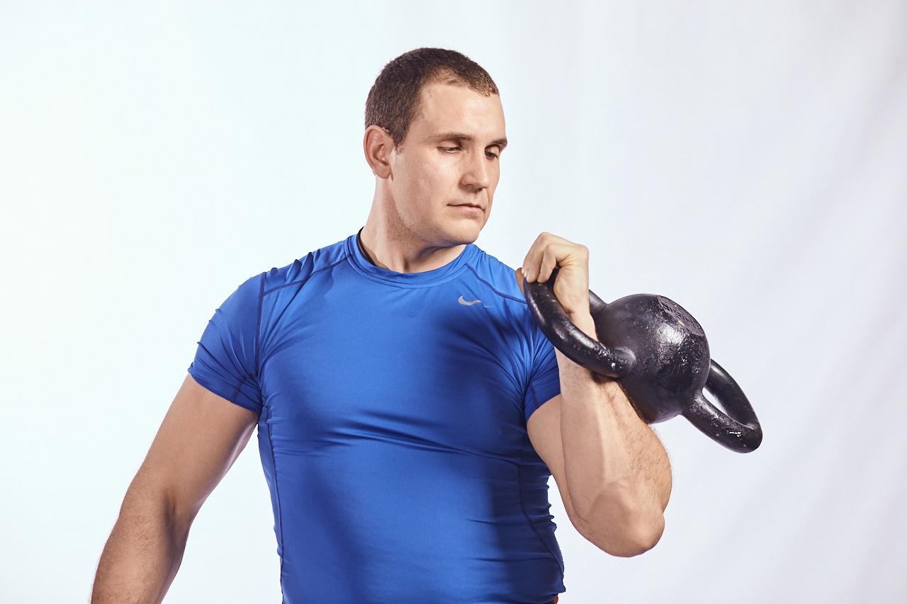 Иван Денисов, двуручная гиря