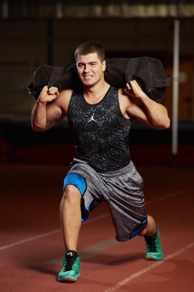 Силовые тренировки в зале